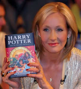 LONDON - JULY 20: Author JK Rowling presents, to a selected audience of fans waiting to have their book signed, the seventh and final Harry Potter book at the National History Museum on July 20, 2007 in London, England. (Photo by Marco Secchi/Scoopt/Getty Images)